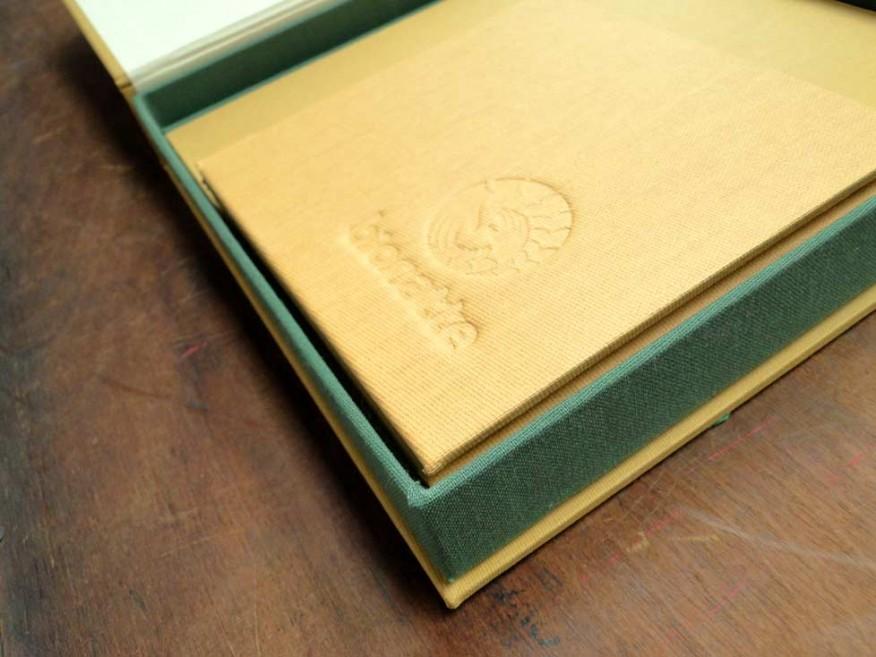 encuadernacion-brandbook-cajas-bonatt2e