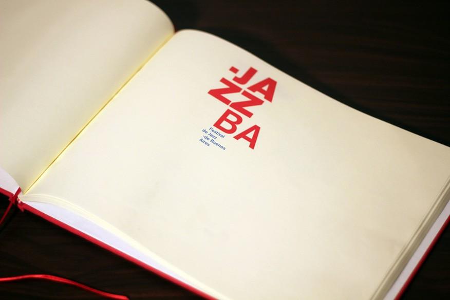 encuadernacion-brandbook-lookbook