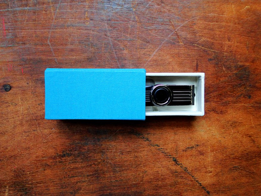 01-caja-pen-drive