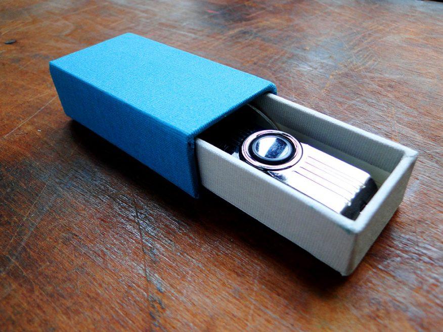 02-pendrive-estuche-caja