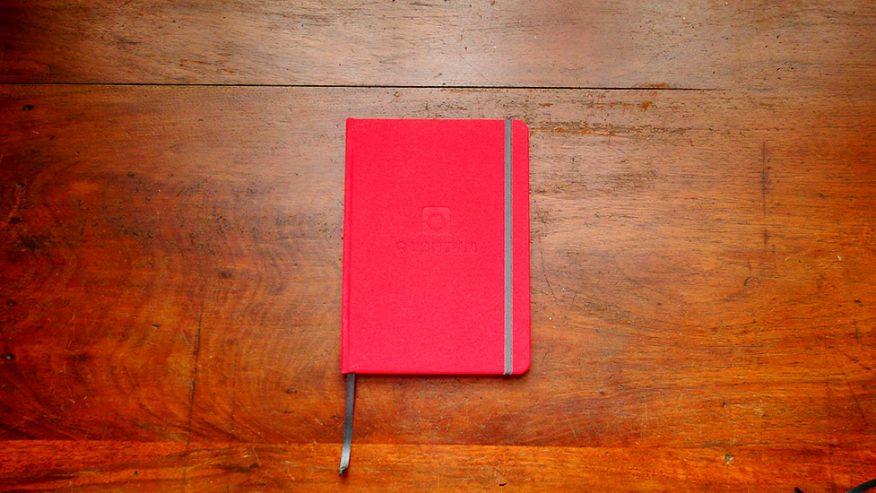 03-regalo-empresarial-logo-cuaderno-borde-redondeado