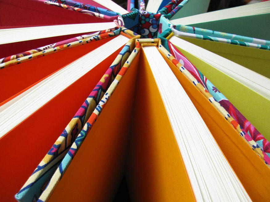 06-cuadernos-guardas-colores-telas