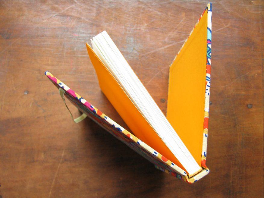 07-cuaderno-elastico-artesanal