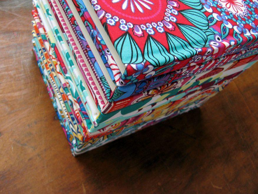 09-telas-estampas-colores-cuadernos